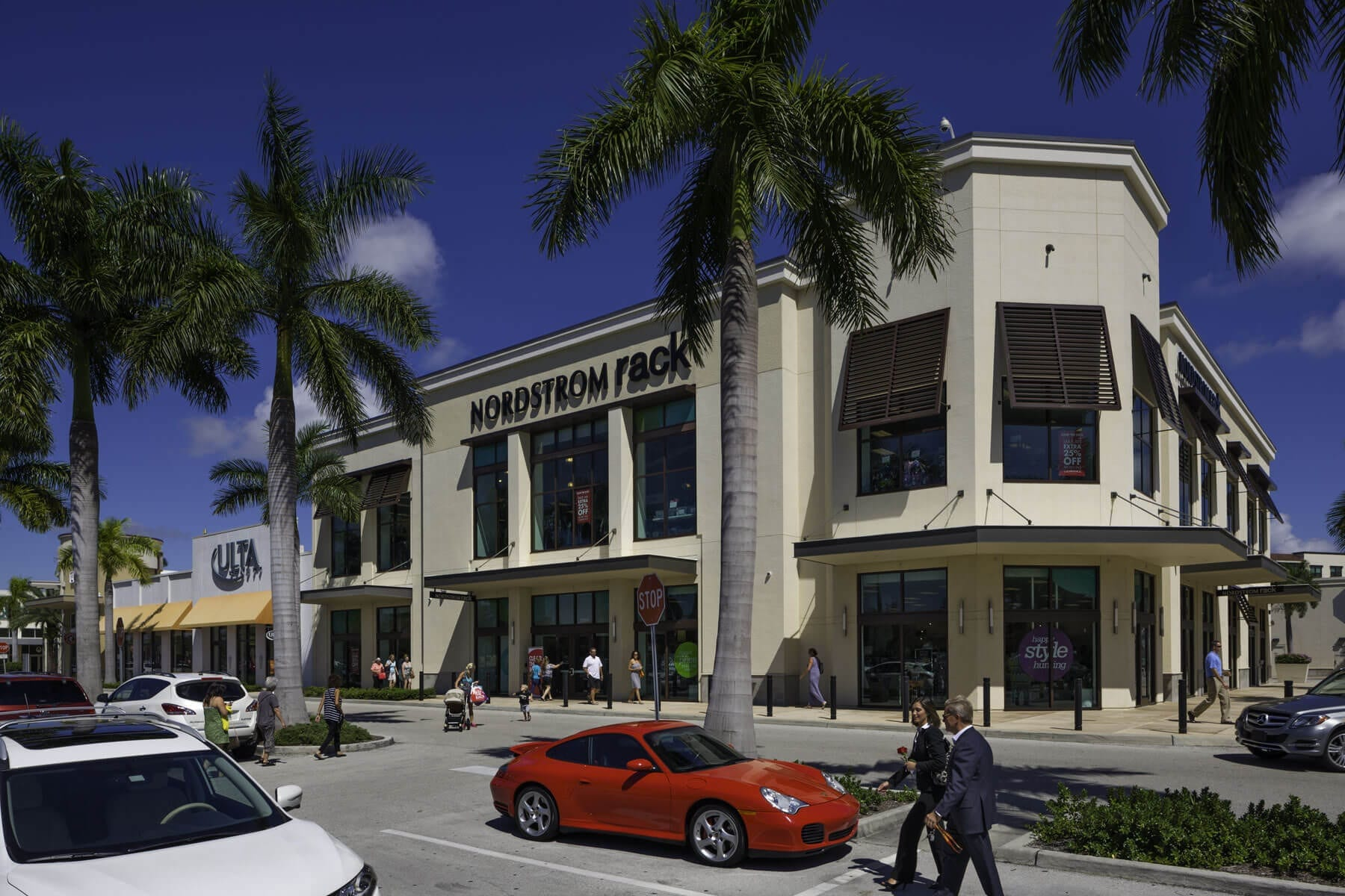 Shopping in south naples downtown naples shopping for Craft stores naples fl