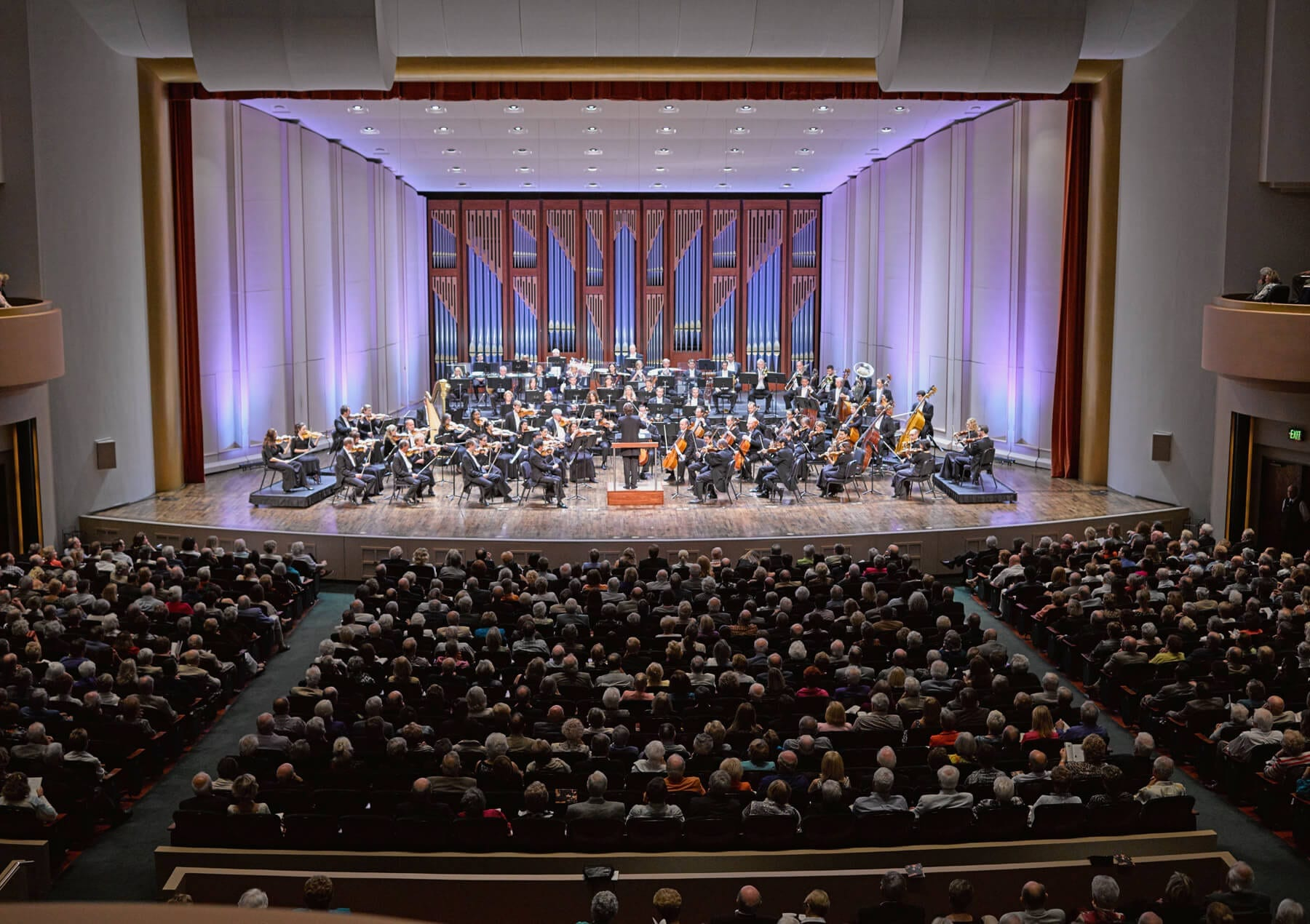 hayes-hall-audience-and-naples-philharmonic