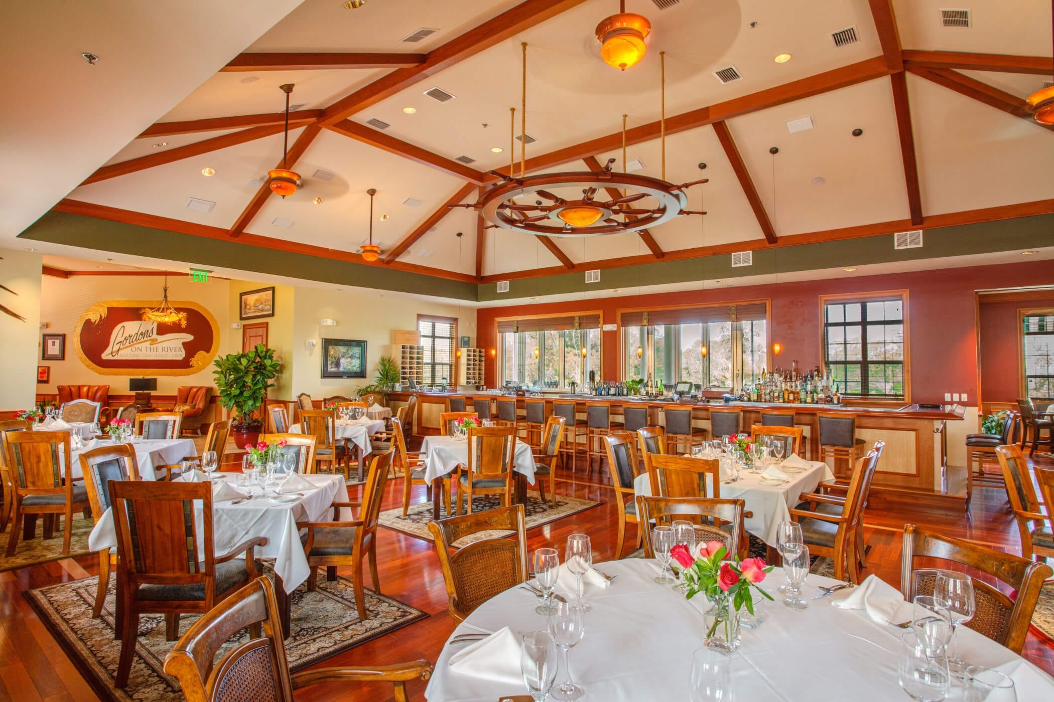 gordons-dining-room-wide-angle