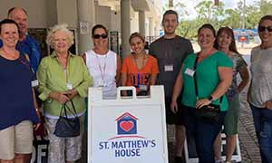 Naples Reserve residents spend a day of service at St. Matthew's House